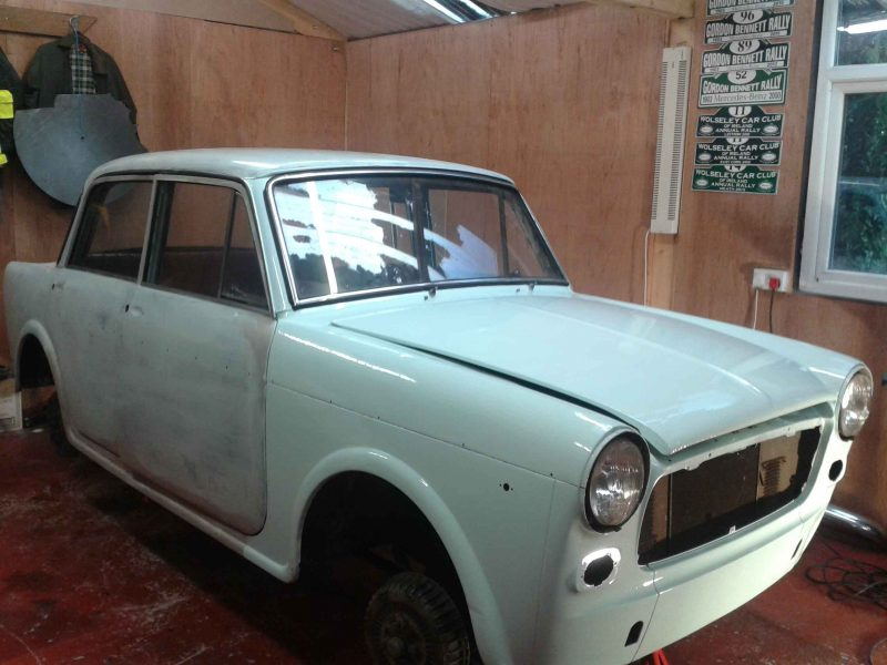 How to handpaint a car or how to handpaint a vintage Fiat car